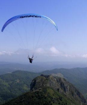 Vol en parapente au dessus de Montségur