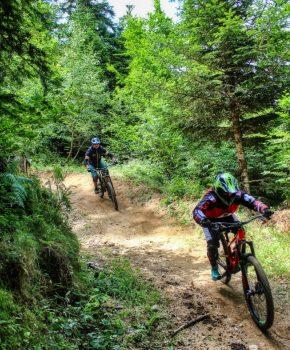 Downhill mountain biking at the Ax-3-domains Bike Park