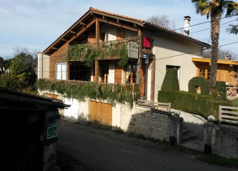 """Gîte n ° 09G11249 """"The Chalet with SPA and Covered Swimming Pool"""""""