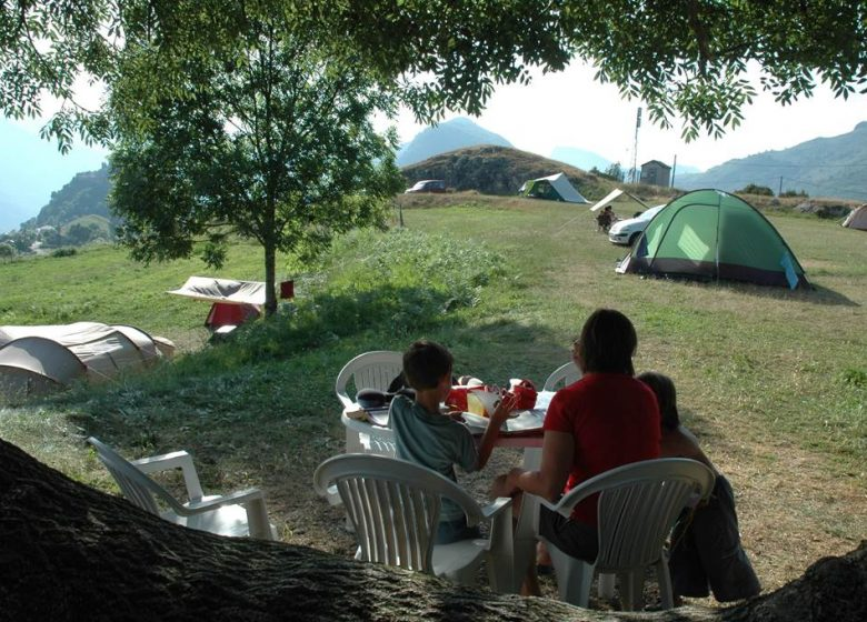 Campsite at the farm of the castle of Lordat