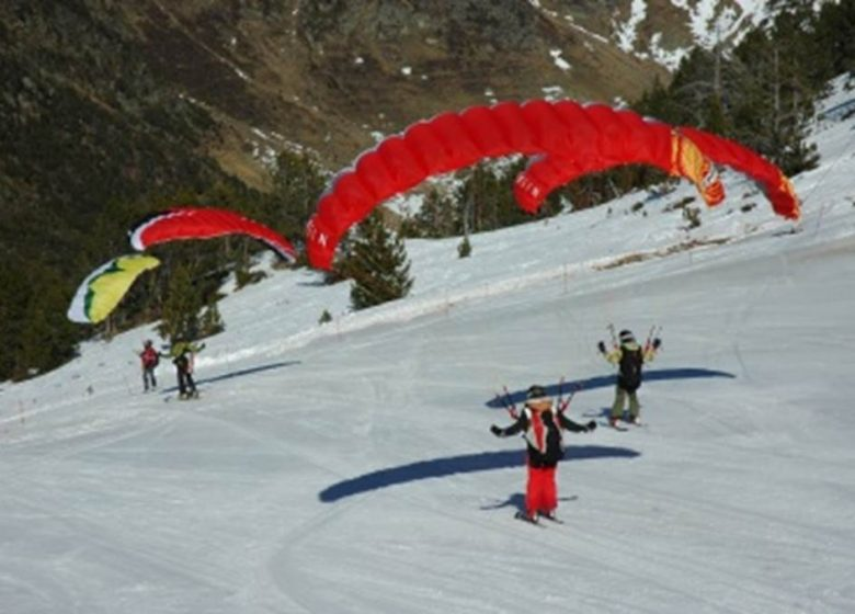 FAMILY PARAGLIDER