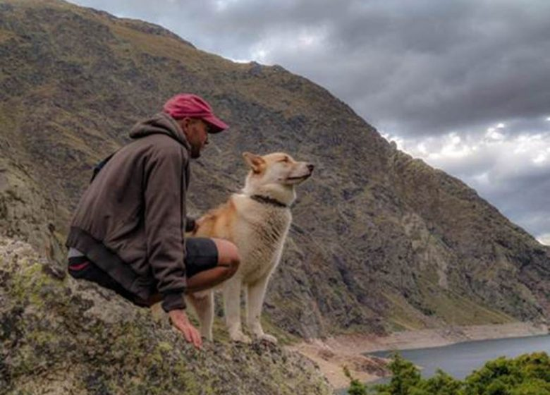 """Cani-hikes with """"Terre Sauvage"""""""
